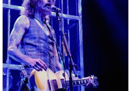 REVIEW: The Darkness @ Liverpool University 08/11/11