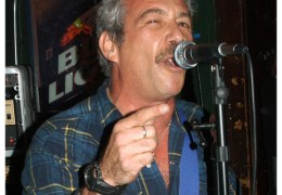 Stooges bassist and founding member of The Minutemen to play Mello Mello