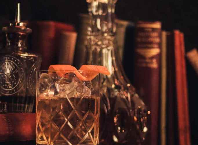 The Highball Club Brings the 1920's to Seel Street 3
