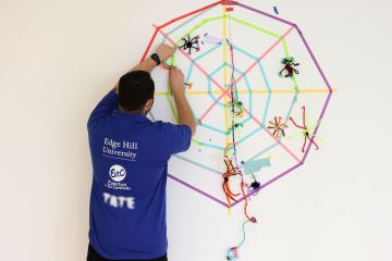 Family Activities at Tate Liverpool with Tackling the Blues © Gareth Jones 01