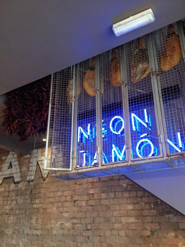 Neon Jamon sign