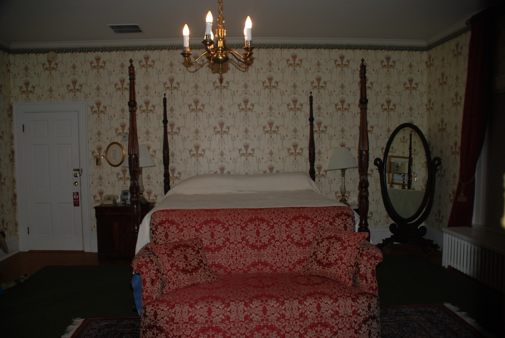 King Beds and Jacuzzi Tubs