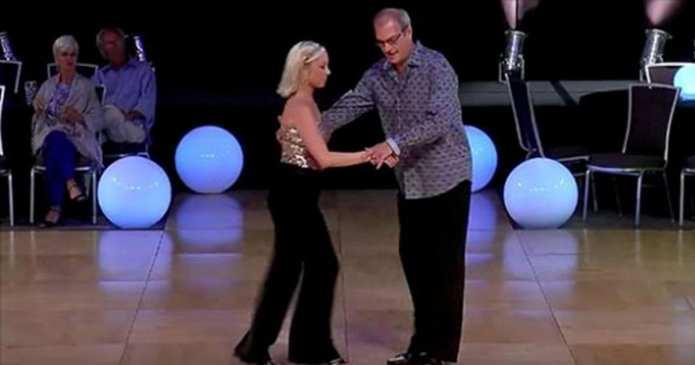 Acești dansatori par prea bătrâni pentru ringul de dans, dar dansul lor a câștigat internetul