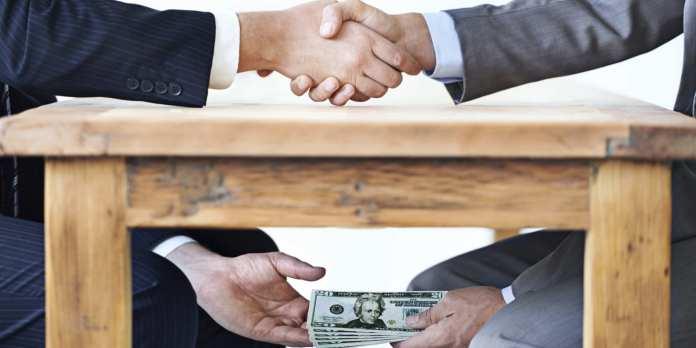 Sunteti de acord cu confiscarea totala a averilor din bani publici furati?