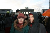 2015-01-11 16 JeSuisCharlie - Berlin - Beate Moeller und Juliane Hegemann - Foto © Carlo Wanka