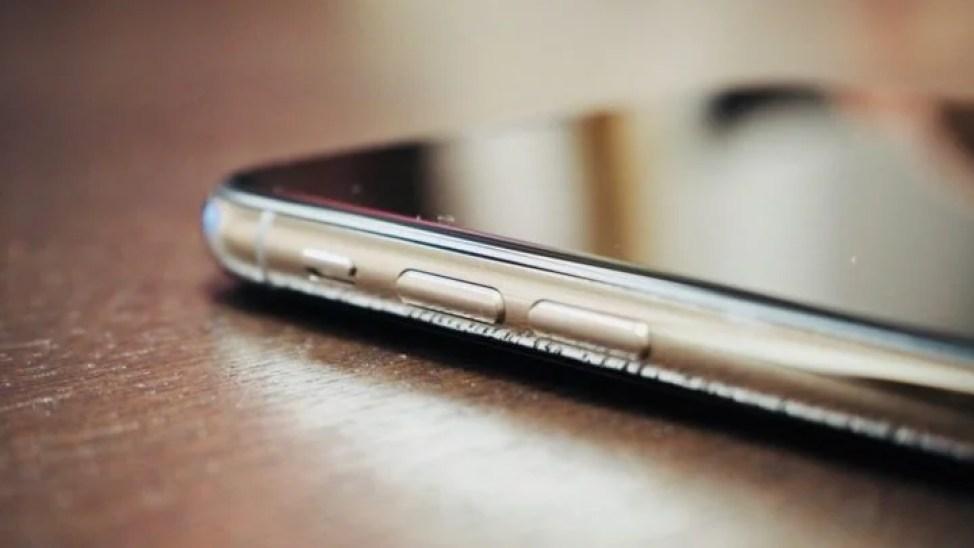 iPhone X ステンレススチールフレーム