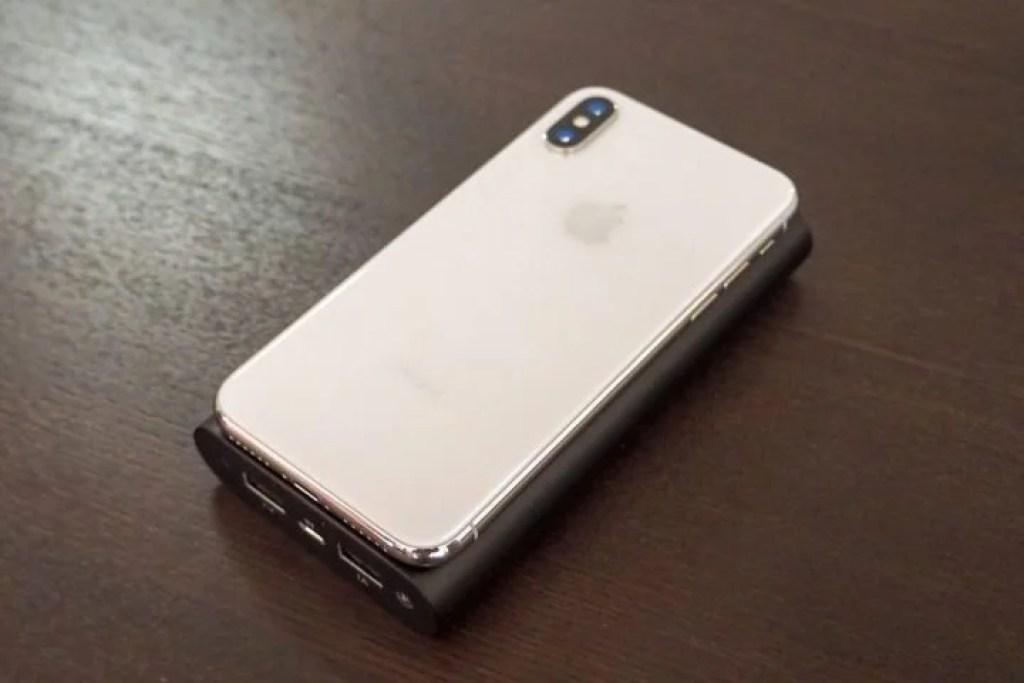 iPhoneXとほぼ大きさ