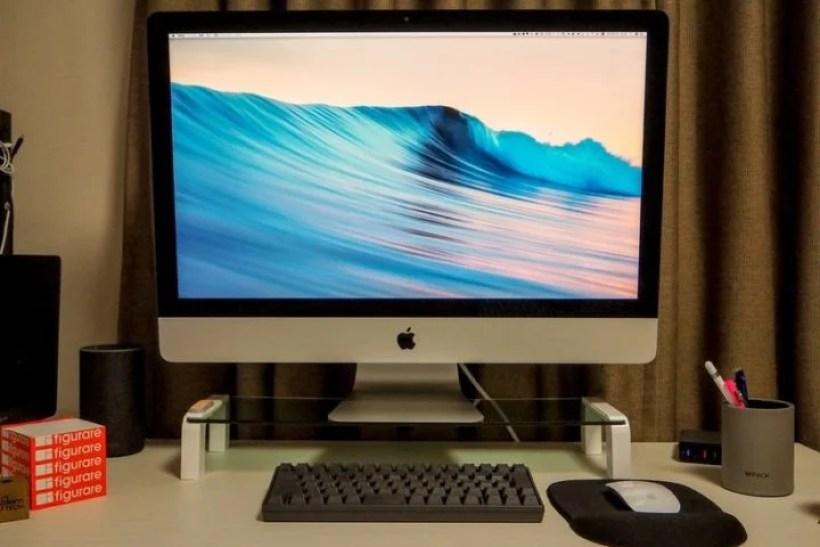 iMacに接続しているHHKB BT