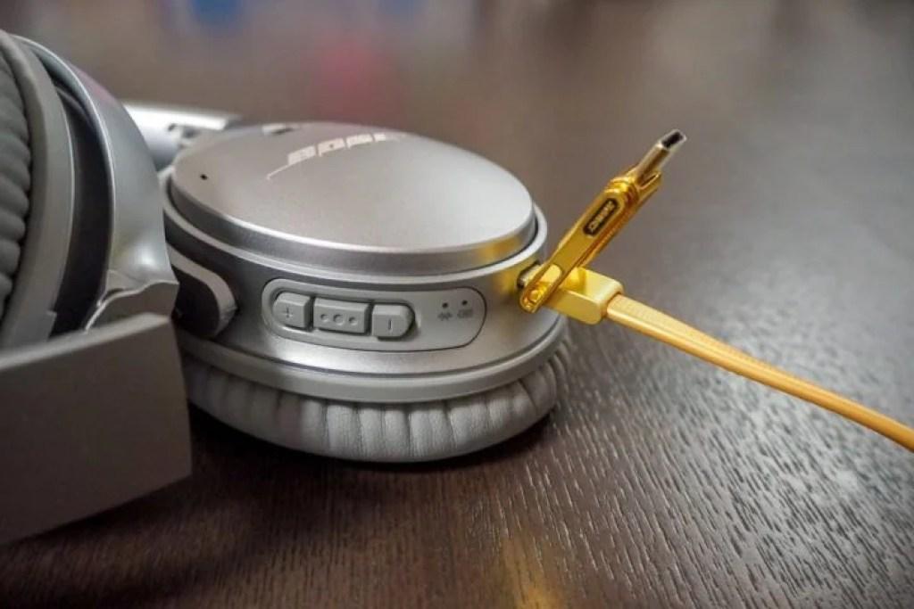MicroUSBで接続