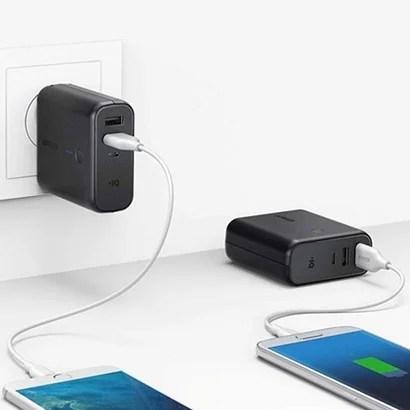 【Anker】モバイルバッテリーにもなる充電器 PowerCore Fusion 5000