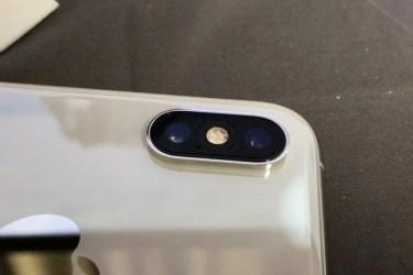【レビュー】iPhone XS/XS Maxのカメラレンズを傷から守る保護フィルム