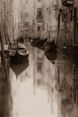 the gondola was Venice's only form of transportation in the 1800's