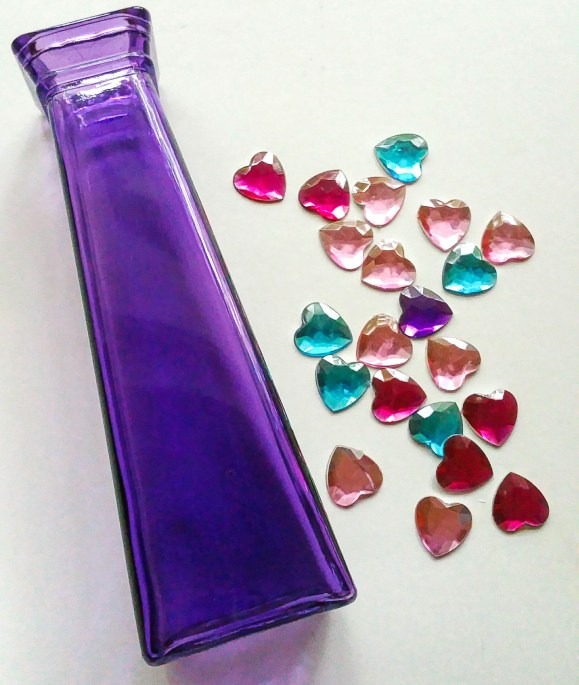 Super-Cute-Glitter-Heart-Vase-Gather-Your-Materials-LiWBF