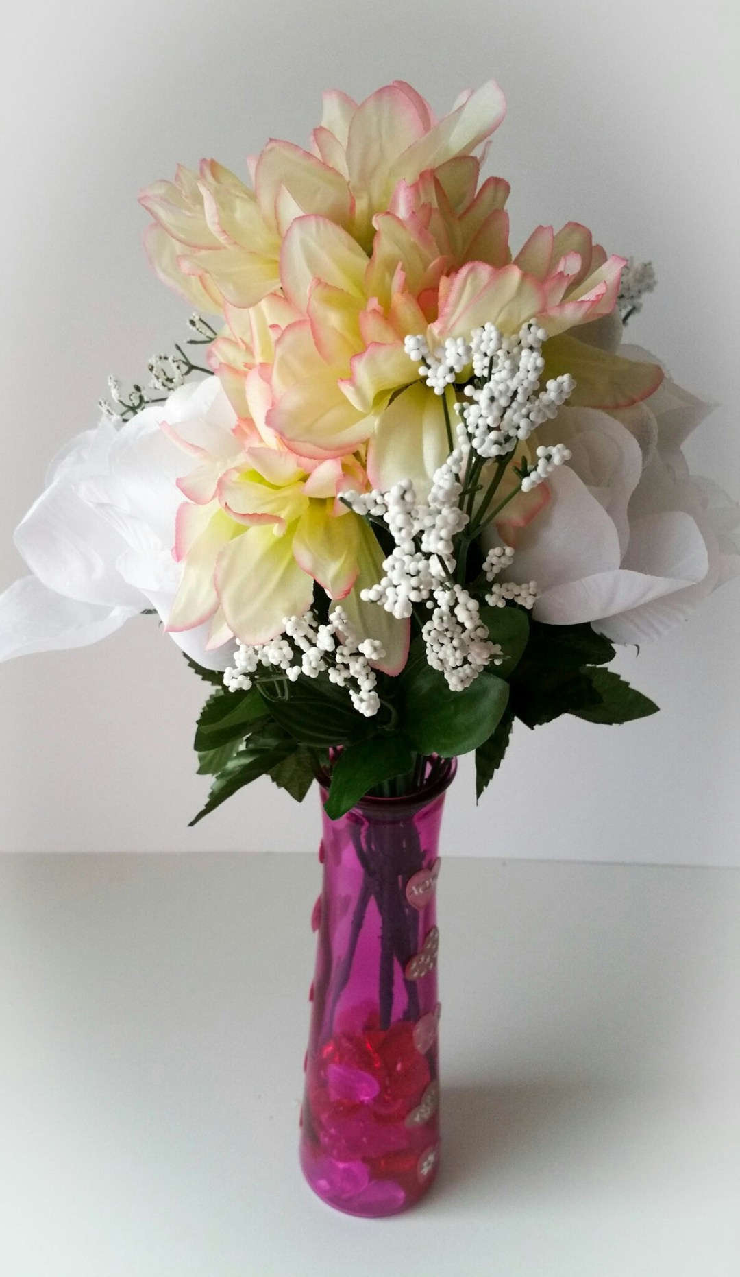 Super-Cute-DIY-Heart-Vase-Bouquet-Thirteen-LiWBF