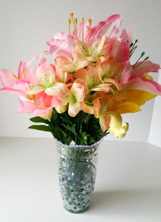 Super-Cute-Egg-Bouquet-in-6-Easy-Steps-Nineteen-LiWBF