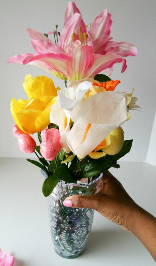 Super-Cute-Egg-Bouquet-in-6-Easy-Steps-Three-LiWBF