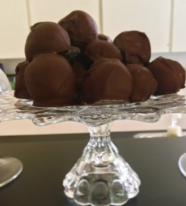 dark chocolate peanut butter balls- Live Young Lifestyle