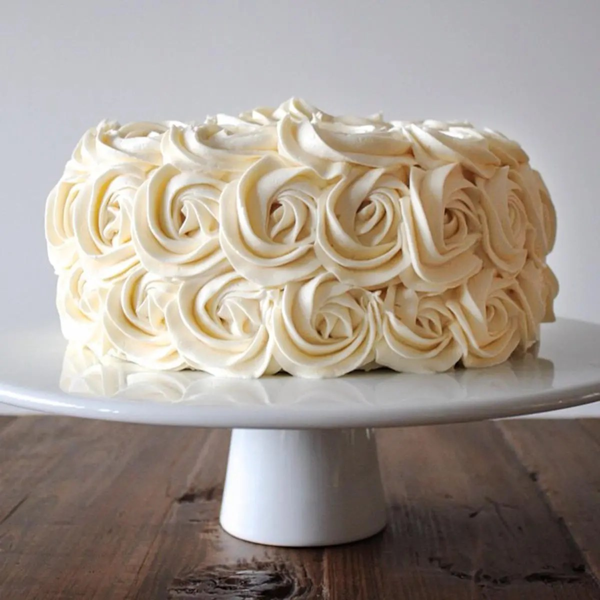 Simple Vanilla Buttercream Liv For Cake