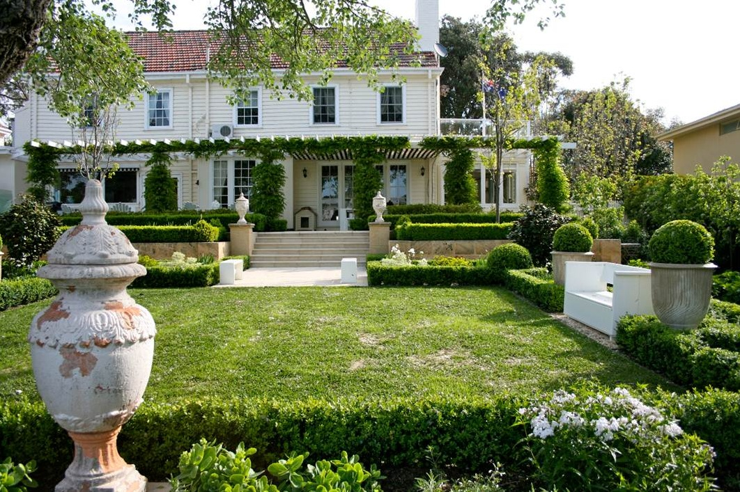 Classic Manor Houses Gardens