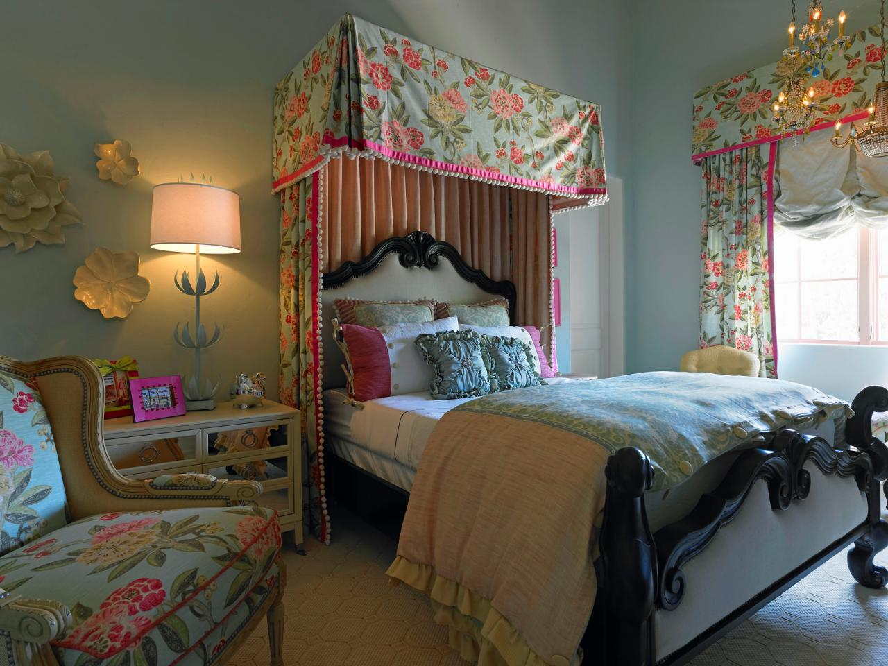 Sophisticated Feminine Bedroom Designs