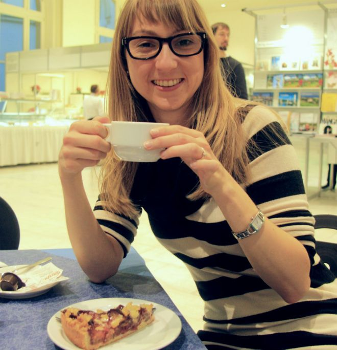 Enjoying a cake in the Buchcafé