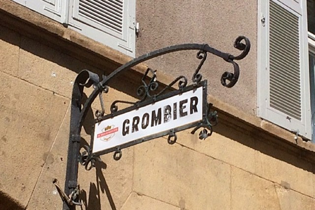 Offers the most creative potatos in Stuttgart: Grombier in downtown Stuttgart.