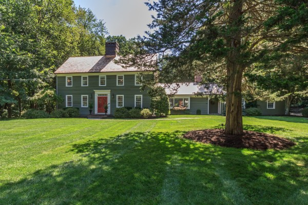 Picture-perfect Colonial Saltbox…