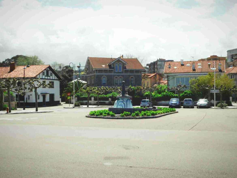 Many houses in Salinas