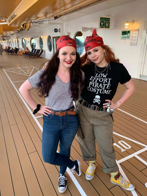 WHAT TO WEAR ON PIRATE NIGHT DISNEY CRUISE