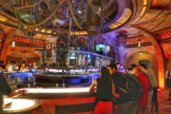Oga's Cantina STAR WARS GALAXY'S EDGE IN WALT DISNEY WORLD