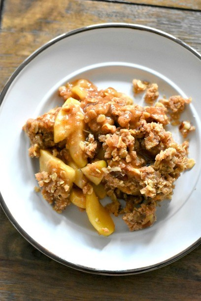 Apple Crisp Recipe with Oatmeal on a plate