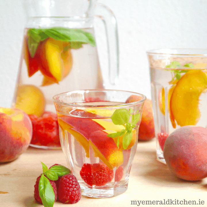 Raspberry Peach Detox Water for weight loss