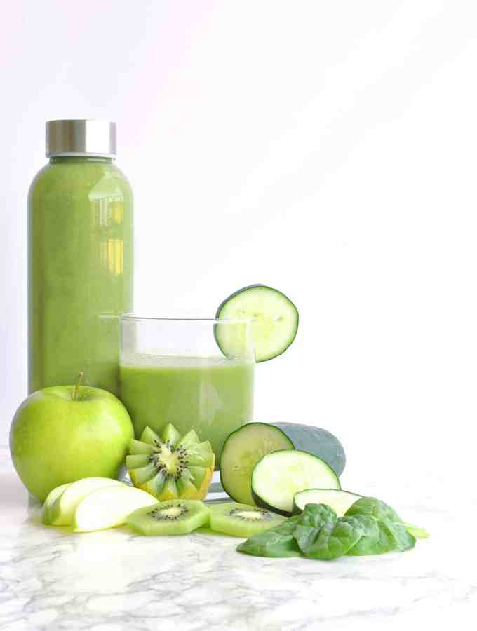 Cleansing Spinach Apple Smoothie