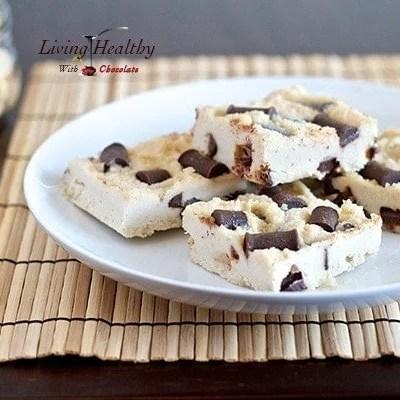 Paleo Chocolate Chunk Macadamia Nut Fudge