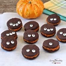 Paleo Halloween Chocolate whoopie pie cookies with pumpkin filling