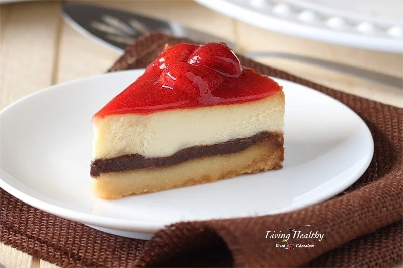 White Chocolate Strawberry Cheesecake (gluten free, grain-free, Paleo) by #LivingHealthyWithChocolate