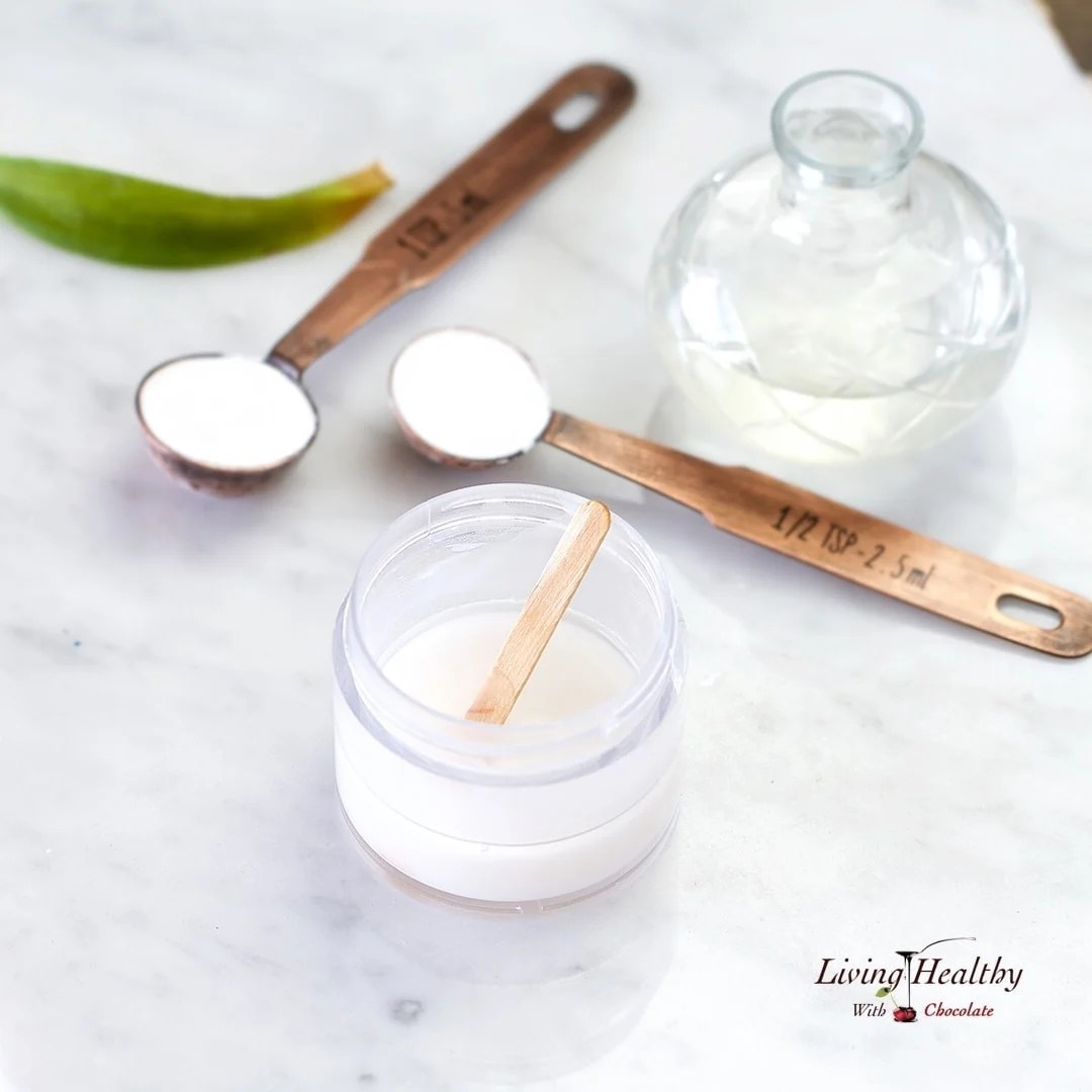How to Make Natural Deodorant that Works with 3 Ingredients | by #LivingHealthyWithChocolate
