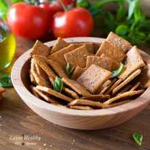 How to make Homemade Crackers with Cassava flour - Pizza Crackers (Vegan, Paleo)