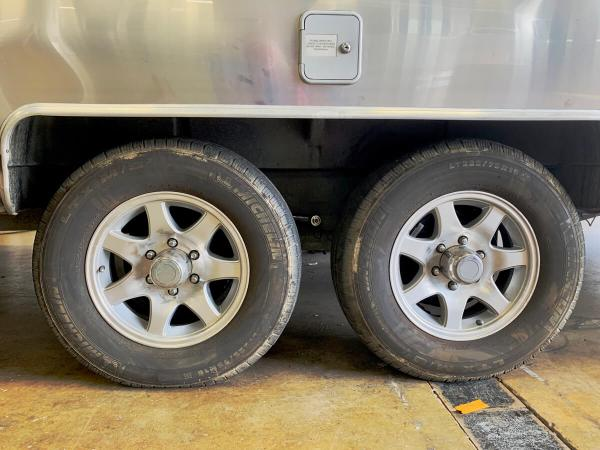 Airstream new axels