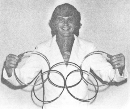 1974 newspaper photo of Jim and his linking rings