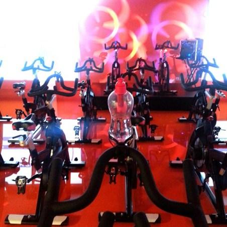 Aulas no Fitness Hut, de Cycling