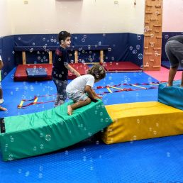 Play Mats - Titus on obstacle parkour