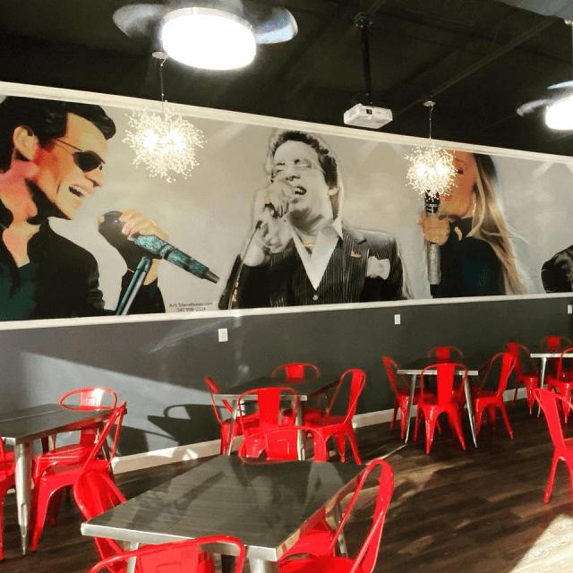 mural empanada loca