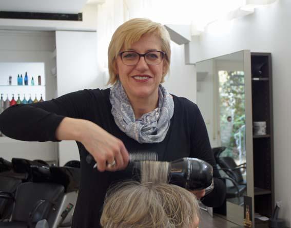 Salonleiterin Sabine Steffen-Kerfs