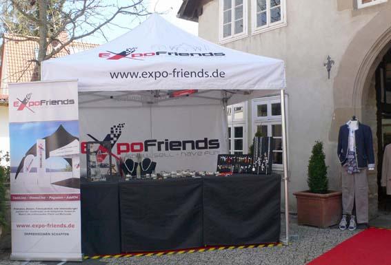 Expo-Friends mit einem professionellen Zelt