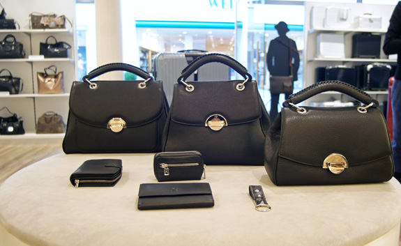 Klassische Bogner-Taschen mit Accessoires