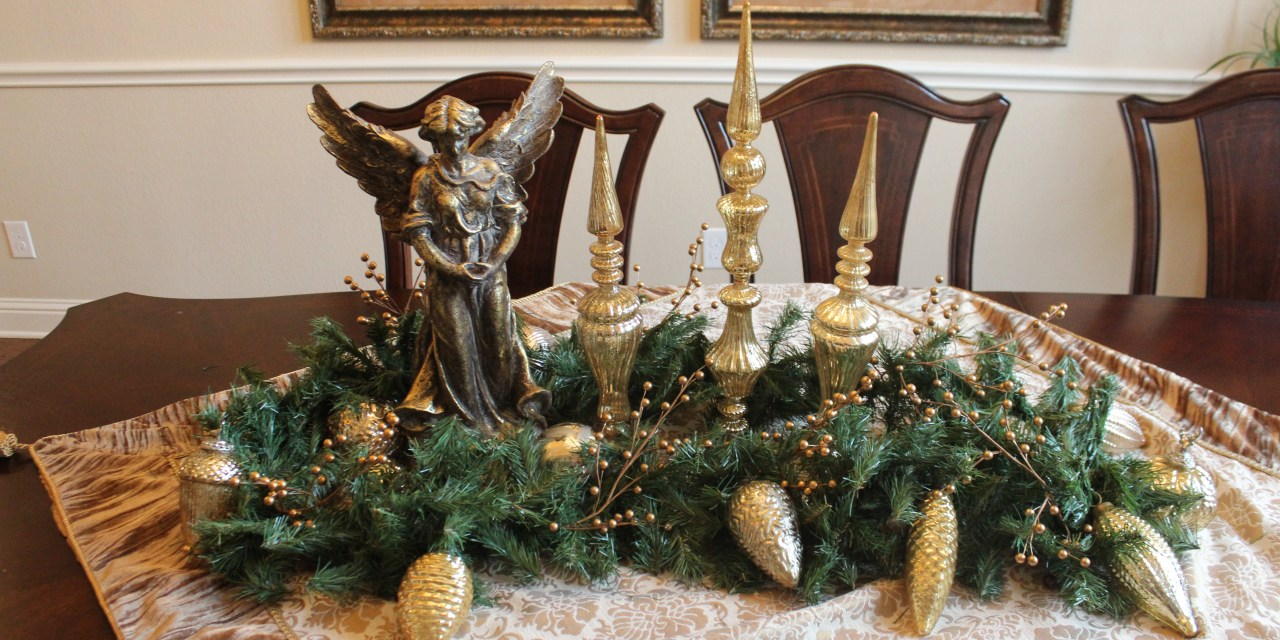 10 Christmas Decorating Tips that also Save You Money