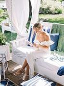 Bride-Reading-Letter-from-groom