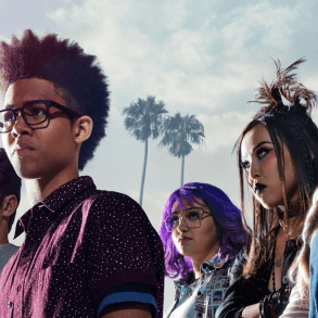 Marvel's Runaways Season 1 | Reactions | LIVING LIFE FEARLESS