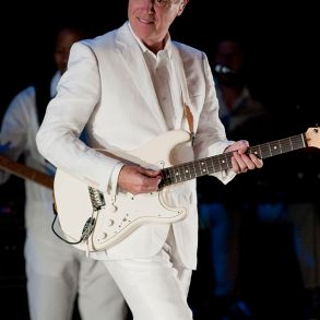David Byrne is curating a socially distanced dance club | News | LIVING LIFE FEARLESS